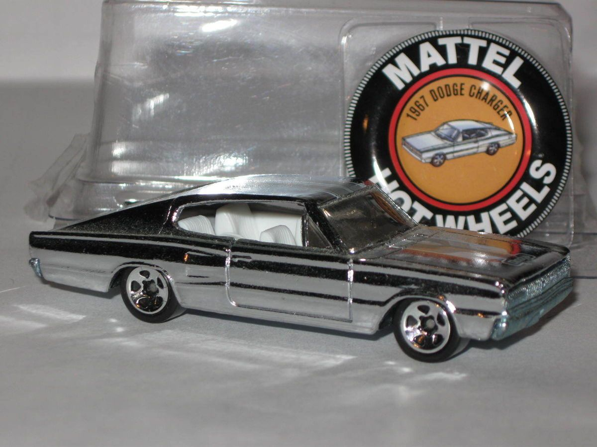 Hot wheels Classics Series 4 67 Dodge Charger Loose Chrome with button