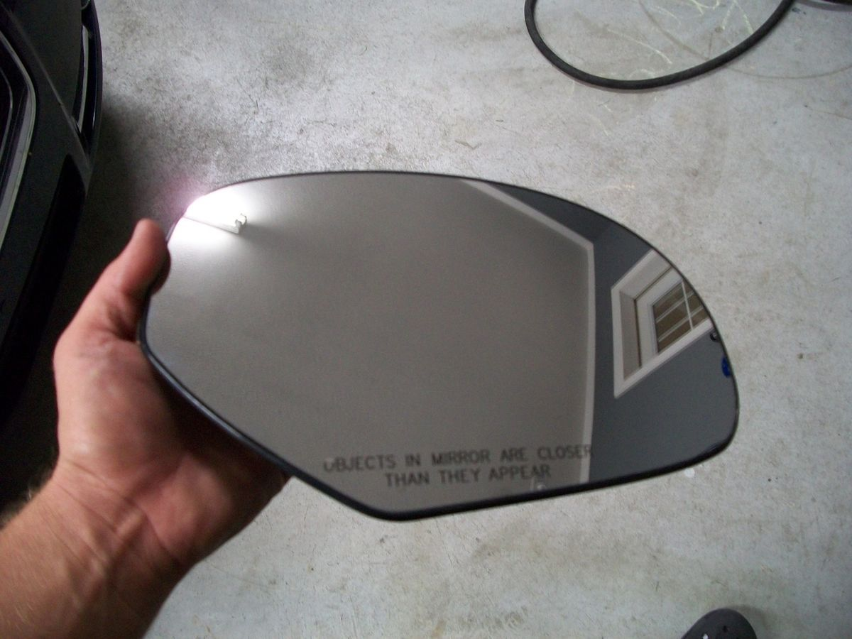 DL8 Mirror Glass (RH) 07 13 Silverado, Sierra, Tahoe, Yukon XL & more
